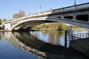800px-Reading_Bridge